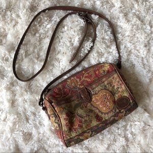🌻Vintage🌻 Liz Claiborne Tapestry Crossbody Bag